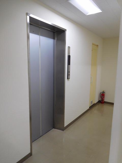 神田中央ビルエレベーターホール
